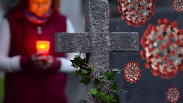 Gemeinsame Friedhofsbesuche sollten möglichst auf die Mitglieder des eigenen Haushalts beschränkt bleiben. (Bild: stock.adobe.com, AP, Krone KREATIV)