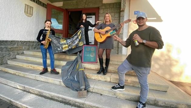 Bildende Künstler, Musiker und andere sollen neues Leben in die aufgelassene Schule bringen. (Bild: Elisa Aschbacher)