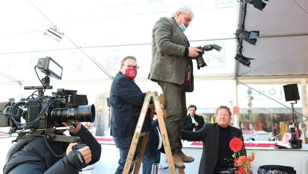Fotografen Christian Schulter, Reinhard Holl und Klemens Groh an der Leiter (Bild: Judt Reinhard)