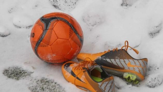 Kickern droht Schnee statt sattem Grün. (Bild: Pail)