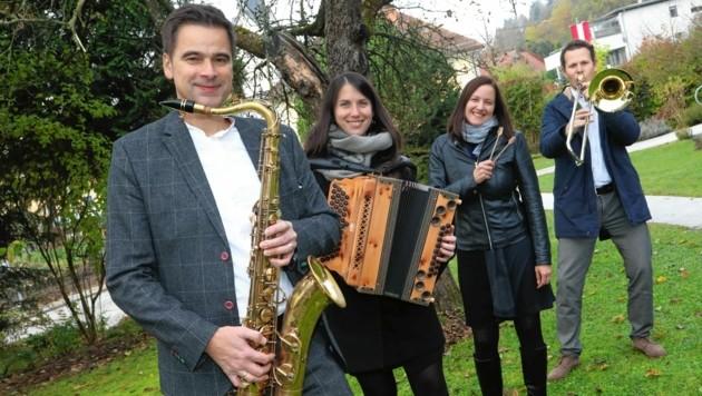 Saxofonist Edgar Unterkirchner komponierte das Auftragswerk für die Gemeinde Moosburg. Es wurde am Freitag uraufgeführt. (Bild: Uta Rojsek-Wiedergut)