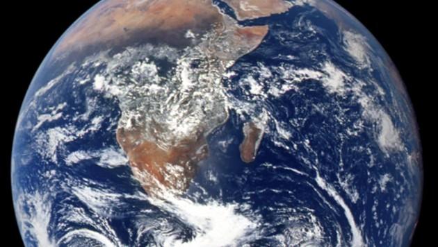 Wasserdampf und Wärme strömen auch heute von den Subtropen in die Tropen (Bild: NASA)