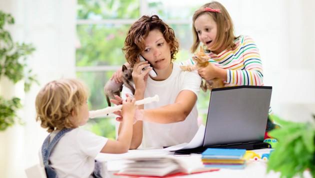 Konzentriertes Arbeiten ist zu Hause oft sehr schwierig, was auch zu Streitigkeiten führen kann. (Bild: famveldman/stock.adobe.com)