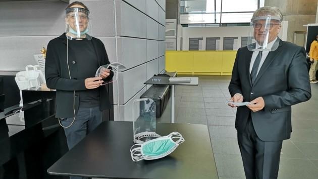 Bürgermeister Klaus Luger (r.) mit AEC-Chef Gerfried Stocker (Bild: Jasmin Gaderer)