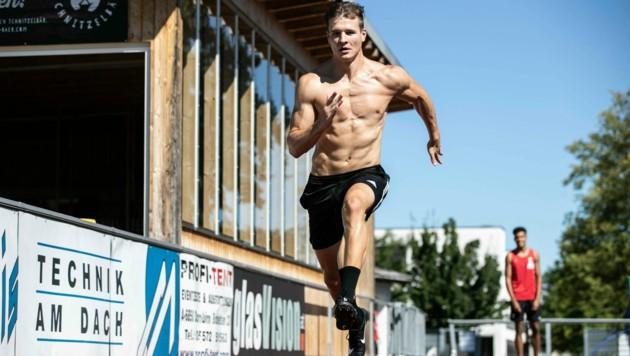 Modellathlet Kristian Huber hat über den Sommer hart trainiert und ist für die neue Bobsaison so fit wie noch nie zuvor (Bild: Maurice Shourot)