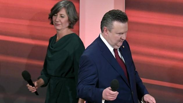 Bürgermeister Michael Ludwig (SPÖ) versetzte mit seiner Partnerwahl die Grünen von Landeschefin Birgit Hebein in Schockstarre. (Bild: APA/ROLAND SCHLAGER)