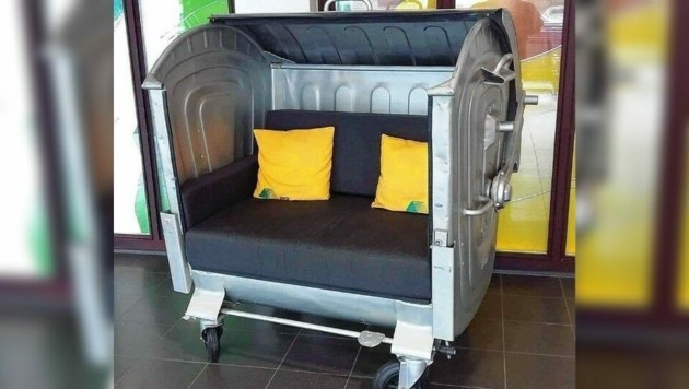 Aus einer alten Mülltonne wurde sogar eine Couch gefertigt! (Bild: energie-autark)