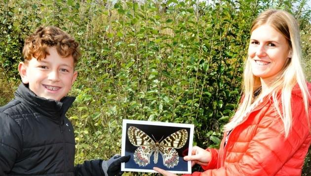 Falterretter: Paul Andrasch und seine Lehrerin Sandra Lenk (Bild: Crepaz Franz)