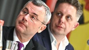 Norbert Hofer soll den Vorsitz in der burgenländischen FPÖ bald an den ehemaligen blauen Landesrat Alexander Petschnig übergeben. (Bild: APA/HANS PUNZ)