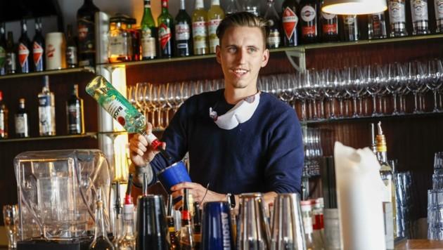 Kevin Entfellner macht nun aus seiner Bar ein Künstlertreff. (Bild: Tschepp Markus)