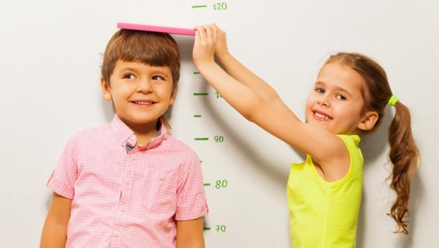 An sich nicht ungewöhnlich: Gleich alt, unterschiedlich groß. (Bild: Sergey Novikov/stock.adobe.com)