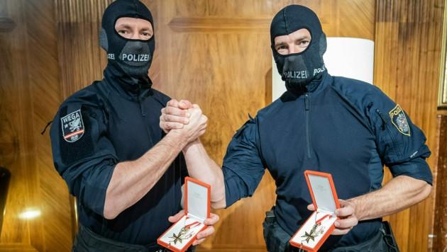 Diese WEGA-Beamten schalteten den Attentäter aus. (Bild: Arno Melicharek)