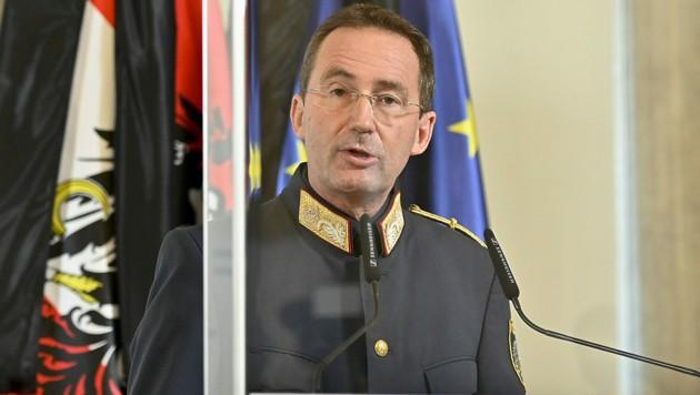 Der Wiener Polizeipräsident Gerhard Pürstl (Bild: APA/HERBERT NEUBAUER)