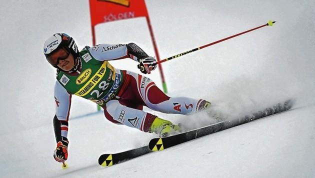 Im Weltcup gibt Ski-Ass Ramona Siebenhofer wieder Vollgas. (Bild: EPA)