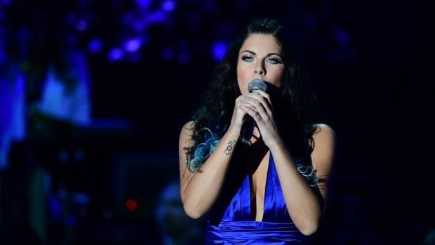 Sara De Blue besticht heute mit Charme und perfekter Stimme. (Bild: Cerbul de Aur)