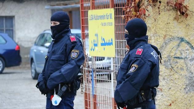 In Graz gab es ebenfalls Zugriffe durch die Polizeieinheiten. (Bild: Christian Jauschowetz)