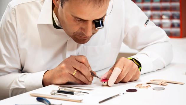 """Neben der """"be banana""""-Uhr werden selbstverständlich auch andere Modelle vertrieben, gewartet und repariert. (Bild: bebanana)"""