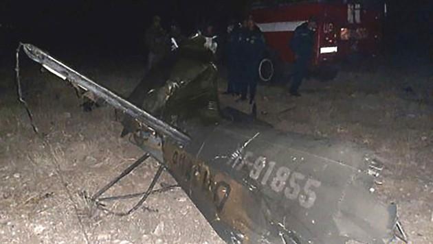 Zwei Besatzungsmitglieder wurden getötet, ein weiteres verletzt. (Bild: APA/AFP/Armenian Emergency Situations Ministry/Handout)