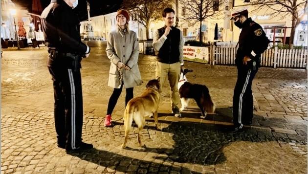 Nach 20 Uhr - wie hier in Eisenstadt - trifft die Polizei oft auf Hundebesitzer. (Bild: Christian Schulter)