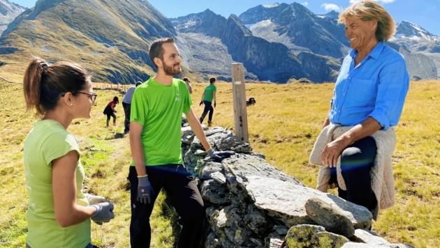 """Abschied in aller Freundschaft: Hansi Hinterseer präsentiert für den ORF am Samstag (20.15 Uhr, ORF 2) """"Tuxertal - Paradies in den Zillertaler Alpen"""". (Bild: ORF)"""