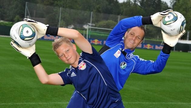 Vor zehn Jahren: Patrick damals beim Training mit Papa Werner Pentz, einst ebenfalls Goalie. (Bild: LAUXFOTO SALZBURG / Manfred LAUX)