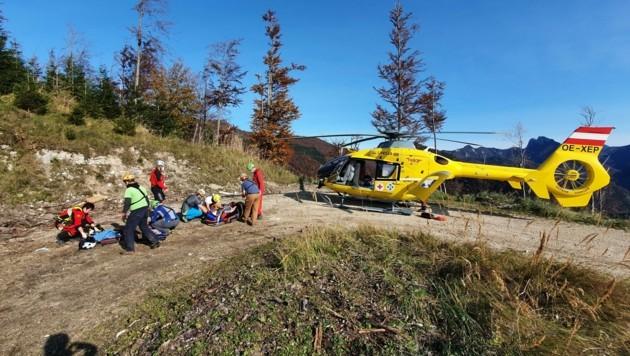 Sie riskieren oft ihr eigenes Leben, um andere zu retten: die heimischen Bergretter. (Bild: Bergrettung Grünau)