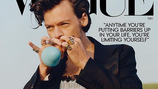 """Harry Styles ziert die neue Ausgabe der """"Vogue"""". (Bild: instagram.com/voguemagazin)"""