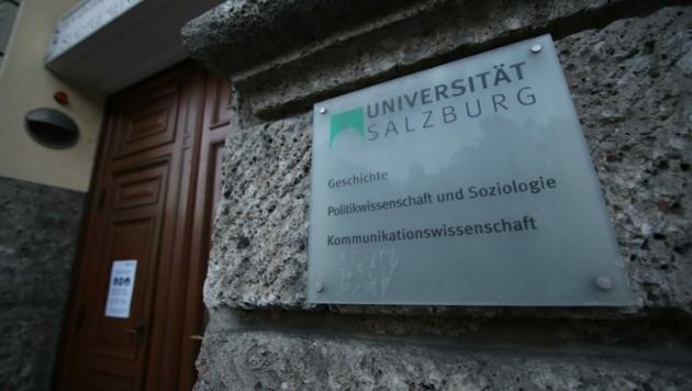Die Projektstelle des Wissenschafters (38) in der Abteilung Politikwissenschaft läuft weiter. (Bild: Tröster Andreas)