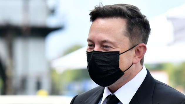 """Unterschiedliche Testergebnisse lassen den Tesla-Chef Elon Musk noch zweifeln, es sei aber """"wahrscheinlich"""", dass er sich mit dem Coronavirus infiziert hat. (Bild: AFP/Tobias SCHWARZ)"""