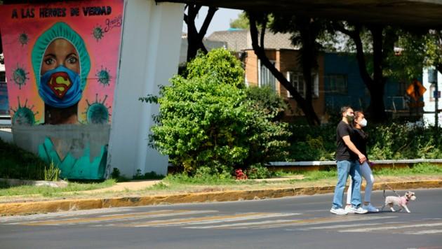 Mexiko befindet sich derzeit in einem Ausnahmezustand - einen Lockdown hat es zwar nie gegeben, zuletzt waren aber recht strikte Maßnahmen zur Eindämmung des Virus notwendig. (Bild: AP/Ginnette Riquelme)