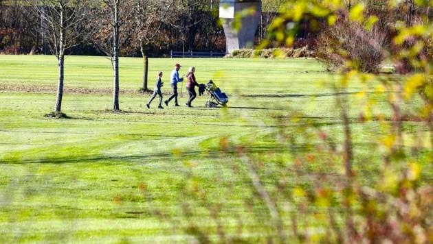 Auch auf Golf hatten einige Lust, wie in St. Johann im Pongau. (Bild: Gerhard Schiel)