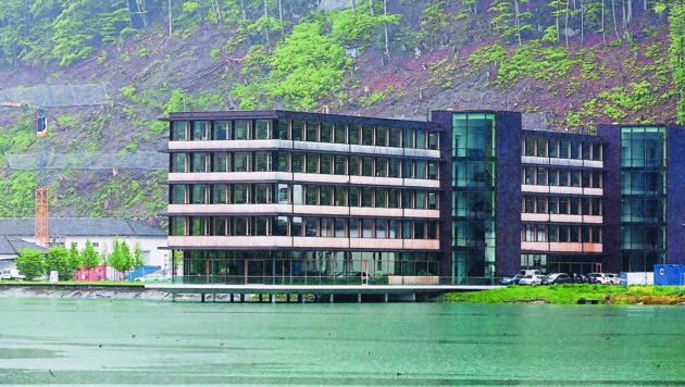 Das Innovationszentrum der illwerke VKW in Vadans - hier dreht sich alles um die Wasserkraft. (Bild: Mathis Fotografie)