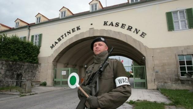 Soldaten sind nicht mehr in der Martinek-Kaserne stationiert. Das große Areal in Baden liegt brach – folgt nun der Verkauf? (Bild: PETER TOMSCHI)