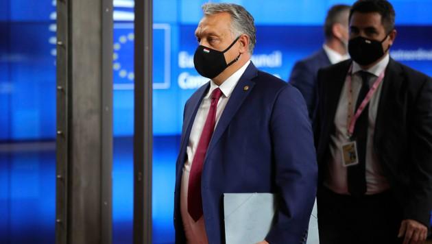 Fliegt die Partei von Ungarns Ministerpräsident Viktor Orban nun endgültig aus der europäischen Dach-Partei EVP hinaus? (Bild: AP)