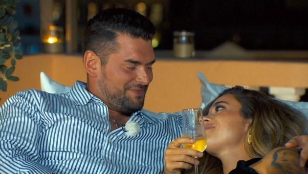 Ioannis und Melissa genießen die gemeinsame Zeit. (Bild: TVNOW)