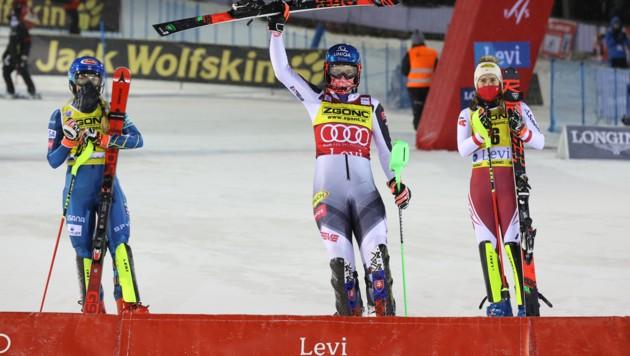 Mikaela Shiffrin, Petra Vlhova und Katharina Liensberger (von li. nach re.) (Bild: GEPA )