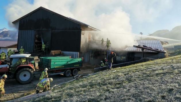 Brand bei Bauernhof in Walchsee (Bild: zoom.tirol)
