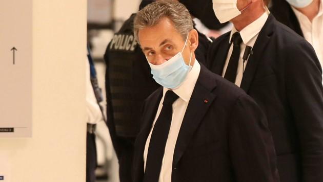 """""""Sagen Sie einfach Sarkozy zu mir"""": Frankreichs Ex-Präsident Nicolas Sarkozy auf der Anklagebank"""