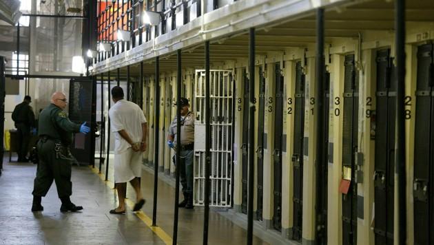 Auch Insassen in der Todeszelle bekamen das Arbeitslosengeld überwiesen. (Bild: Associated Press)