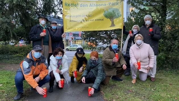"""Mit Protesten machen sich die Aktivisten für die Erhaltung des Atoona-Parks stark. Sie meinen, das Kinderkunstlabor könne in bereits bestehenden Gebäuden eingerichtet werden: """"Dafür muss man keine Grünfläche zubetonieren!"""" (Bild: Werth)"""