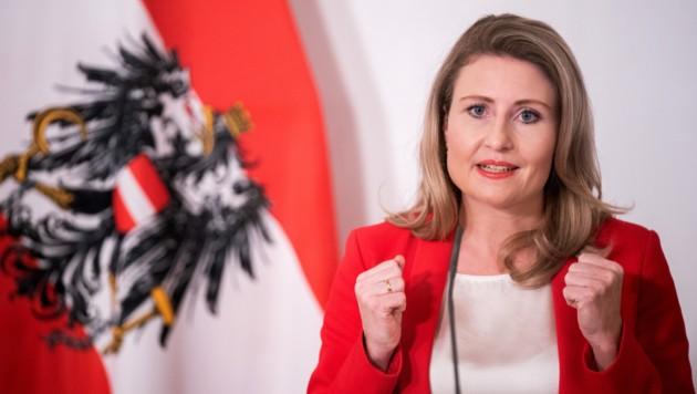 Susanne Raab ist nun auch für Die Themen Familie und Jugend zuständig. (Bild: APA/GEORG HOCHMUTH)