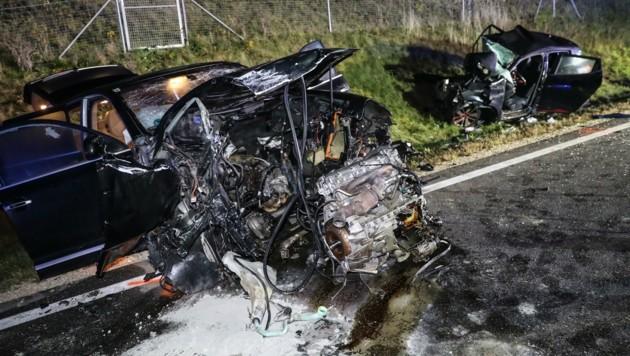 Die Unfallstelle - sogar der Porsche war schrottreif. Im Clio starb die Lenkerin.