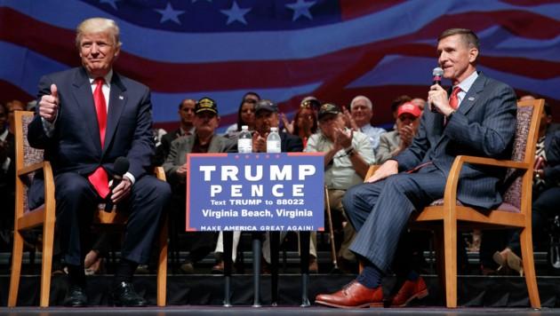 US-Präsident Donald Trump und sein ehemaliger Nationaler Sicherheitsberater Michael Flynn (Bild: AP)