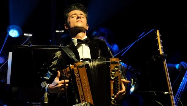 Erfolgsmusiker Herbert Pixner bei einem seiner umjubelten Live-Auftritte. (Bild: Sepp Pixner)