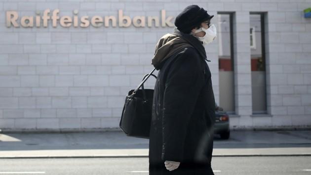 Dieser Tage suchen viele Touristiker ihre Hausbanken auf. (Bild: Tröster Andreas)