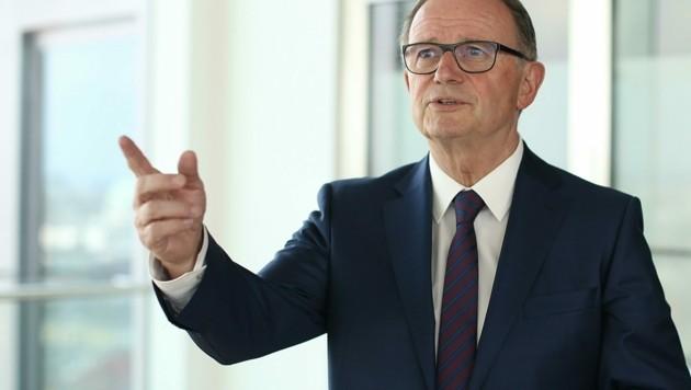 ÖVP-Mann Karl-Heinz Kopf verteidigt Förderichtlinien. Doch wie verfährt man künftig mit den Giganten Novomatic oder Apple? (Bild: Bartel Gerhard)