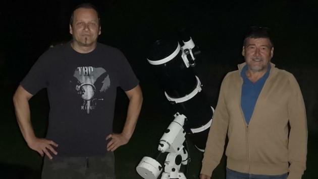 Robert Grögler (li.) mit dem ESA-Physiker Ulrich Reininghaus. (Bild: zVg/Grögler)