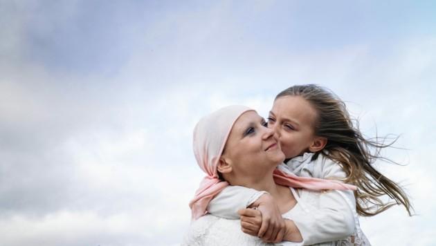 Rund 50.000 Steirerinnen und Steirer sind derzeit an verschiedenen Arten von Krebs erkrankt. (Bild: ©karrastock - stock.adobe.com)