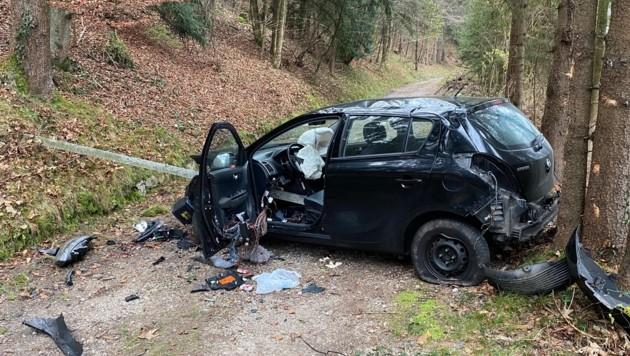 Der Lenker ergriff nach dem Unfall die Flucht.