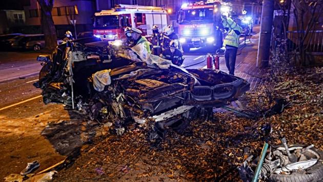 Ein 23-jähriger Raser schrottete seinen BMW. . .